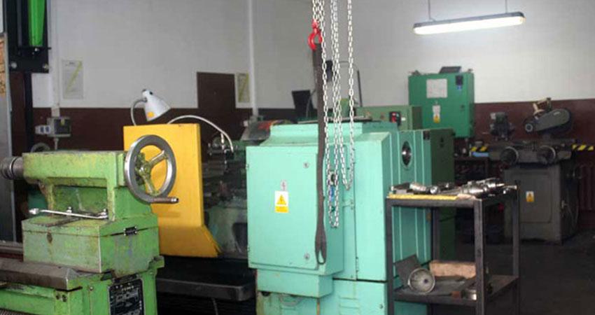 Park maszynowy tokarki pracującej w firmie ZPHU Julwik
