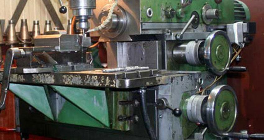Frezowanie na frezarce w firmie ZPHU Julwik
